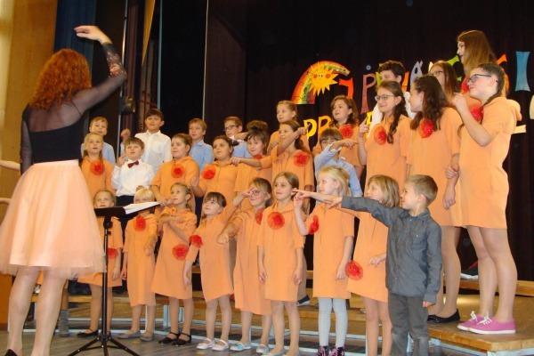 Přehlídka sborů - Zpíváme si pro radost - 8.11. 2019