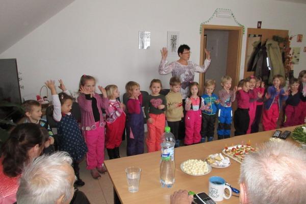 Zpíváme v pečovatelském domě